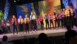 Coro en el escenario